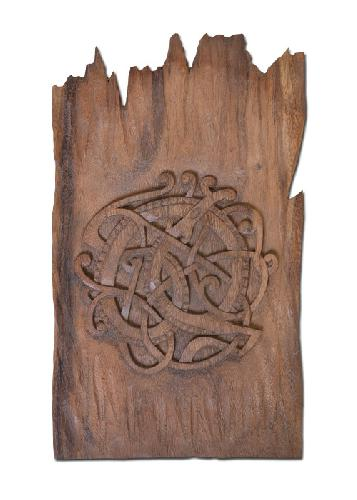 Wood-Craft-Midgard-Serpent-hand-carved